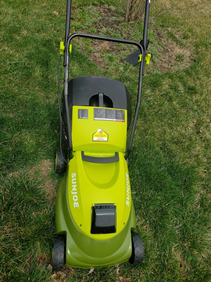 Sun Joe 14 in. 28-Volt Battery Walk Behind Push Mower Review