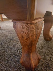 Traditional Claw Leg Design.