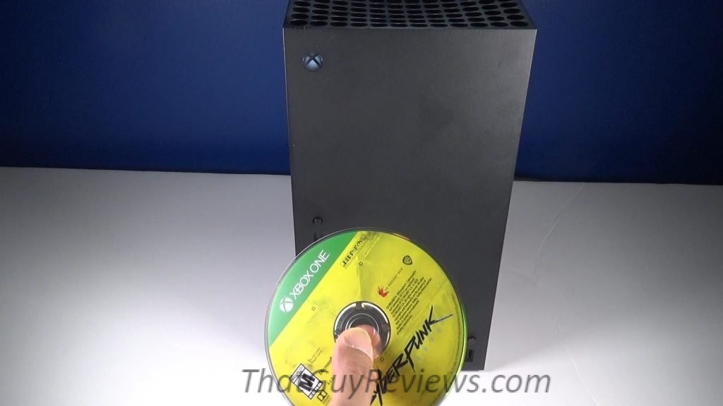 How to insert a disc for Xbox Series X